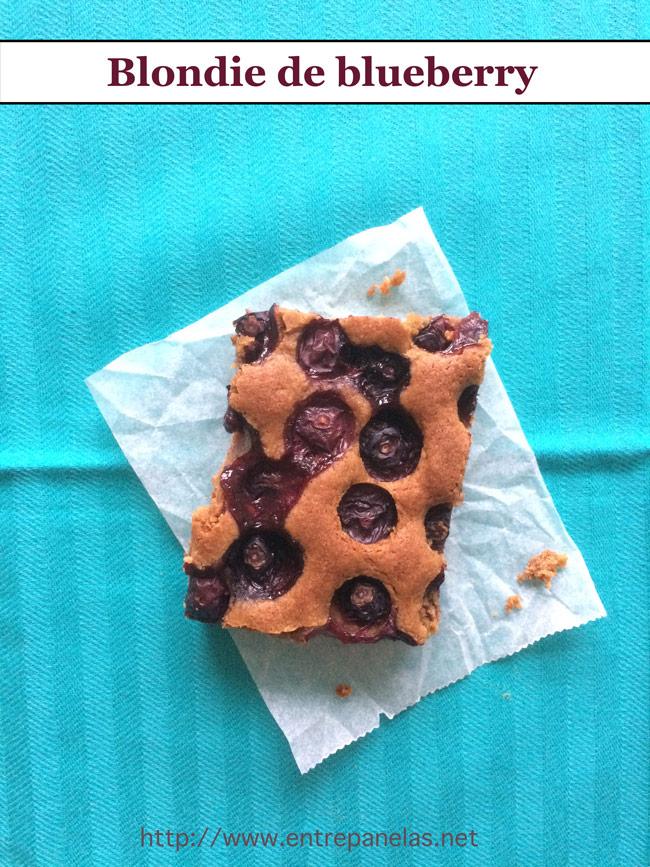 Deliciosa receita de blondie, o brownie sem chocolate. Feito com blueberry e açúcar mascavo. Perfeita harmonia de sabores.