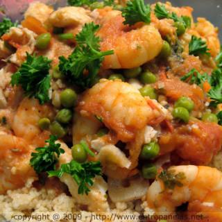 Peixe ao molho de camarão com cuscuz marroquino