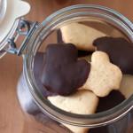 Cookie de baunilha com cobertura de chocolate